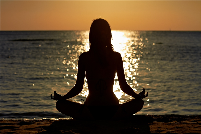 Woman-Meditation-Seaside-2113365